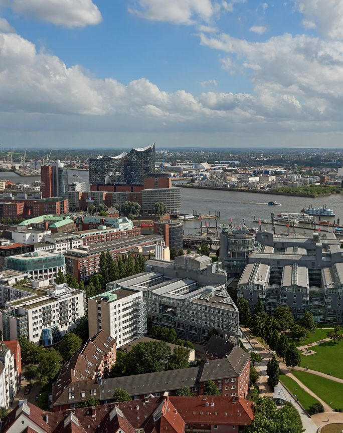 Aerial View of Hamburg City anf Harbor (Dennis Jacobsen)